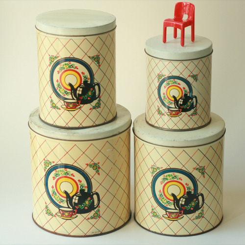 vintage tin canister (4 SET)